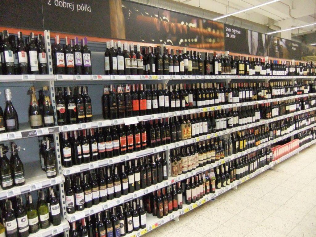 Jak wybrać wino w markecie?