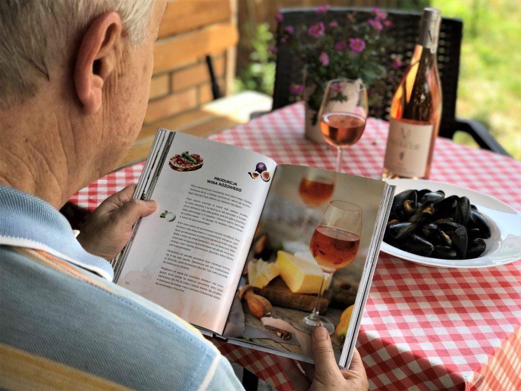 Przewodnik po Świecie Wina – dostępny online! O bezpieczeństwo transakcji dba uznany pośrednik płatności Przelewy24!