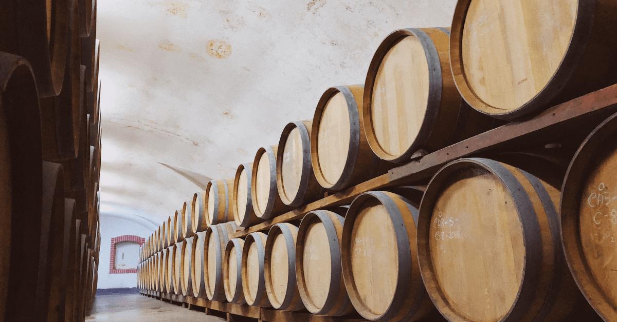 Starzenie wina – co to faktycznie oznacza?